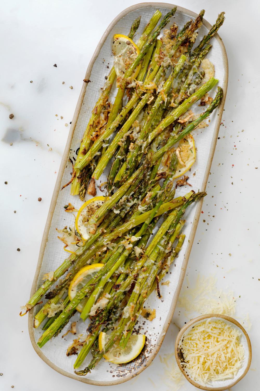 lemon parmesan air fryer asparagus